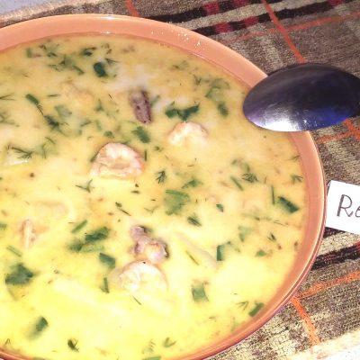 Сытный сливочный суп с морепродуктами