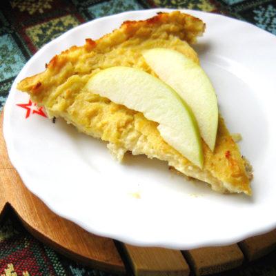 Ebatavaline õrn kohupiimavorm õuntega